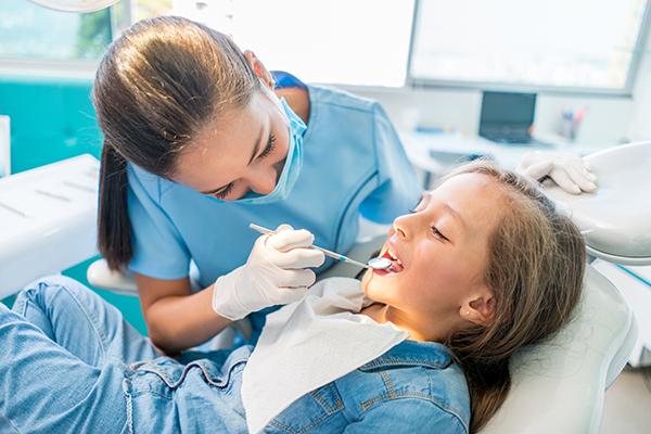 Soins dentaires enfants - Dentiste Servon